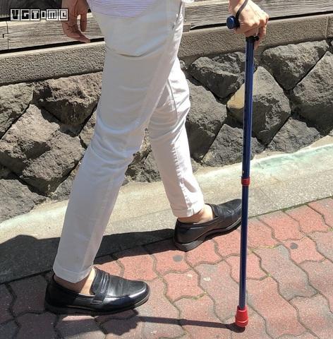 阿宅已老,万代的拐杖要卖给谁
