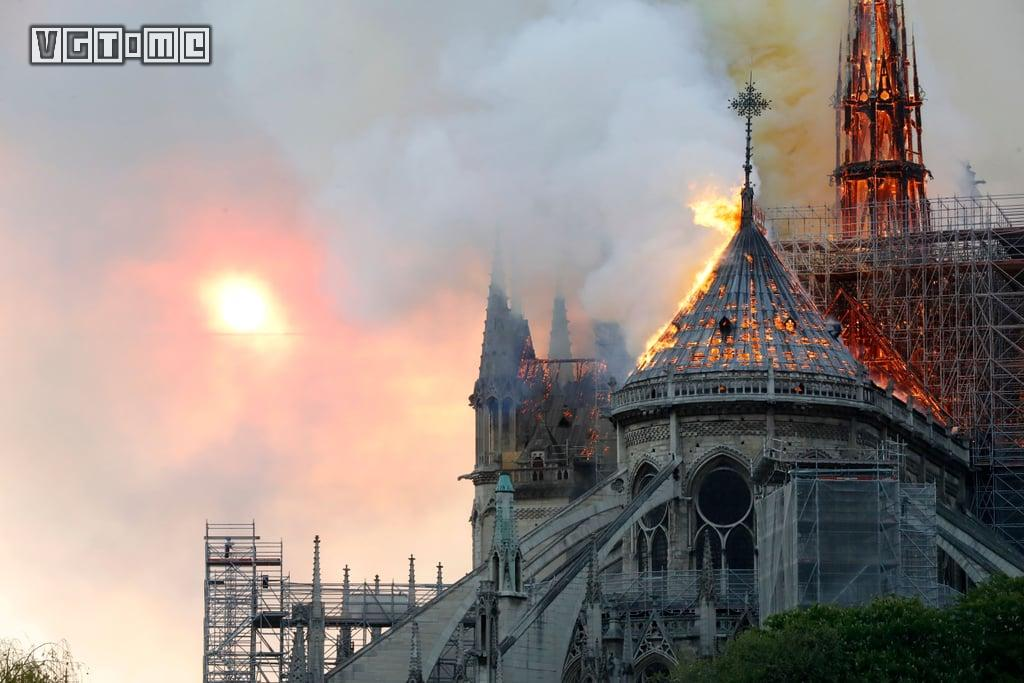 巴黎圣母院的火光,烧不尽游戏里的那些回忆