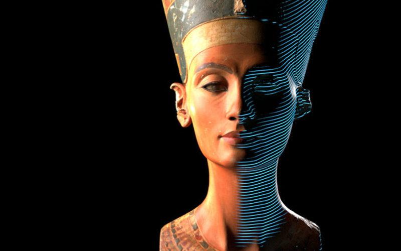 他们潜入博物馆,用游戏外设「偷走」了古埃及文物