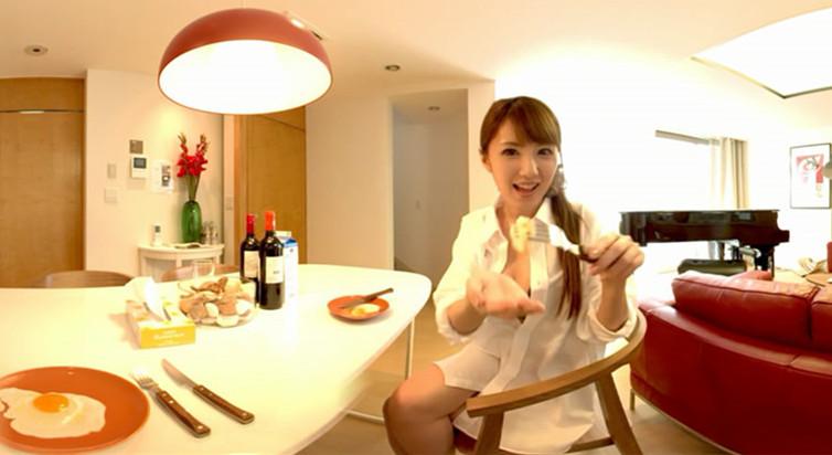 与性感女优的独处日常:天海翼的女仆早餐
