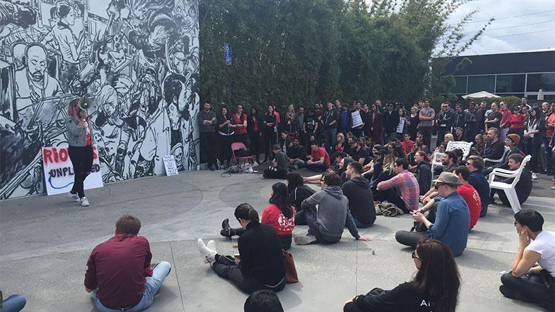 超过150名拳头公司员工今日进行罢工,抗议公司强制仲裁与性别歧视